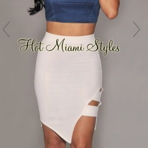 White asymmetrical skirt size small